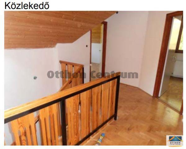 Eladó családi ház, Ádándon 89 M Ft, 6 szobás