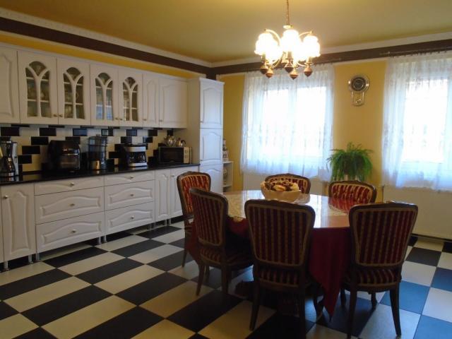 Eladó családi ház, Győrött 41.9 M Ft, 2 szobás