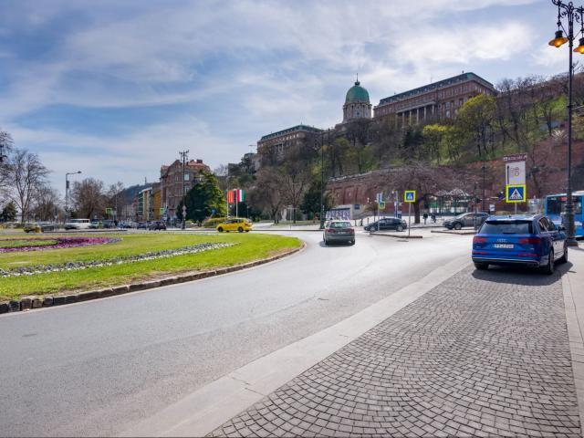 Eladó téglalakás, Budapesten, I. kerületben, Jégverem utcában