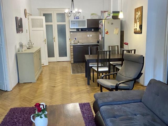 Eladó téglalakás, Budapesten, II. kerületben, Margit körúton