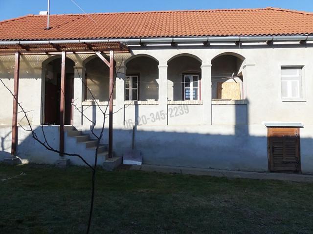 Eladó családi ház, Bátorban 10 M Ft, 3 szobás