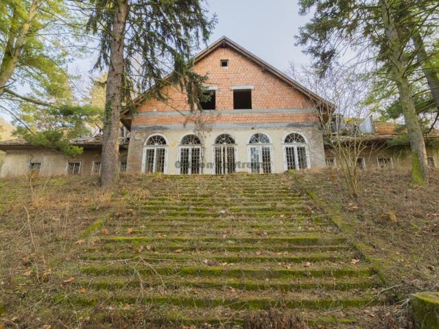 Eladó telek, Visegrádon 366.4 M Ft / költözzbe.hu