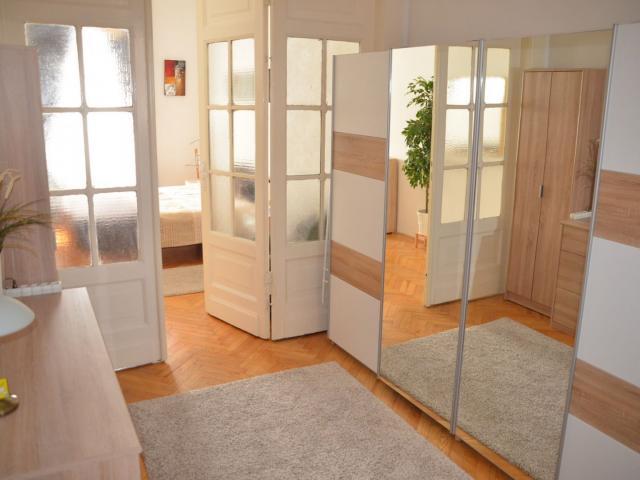 Eladó téglalakás, Budapesten, V. kerületben 59.9 M Ft
