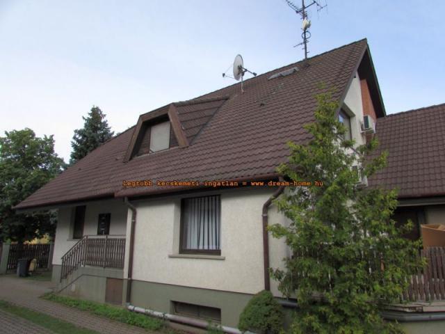 Eladó családi ház, Kecskeméten 59 M Ft, 9 szobás
