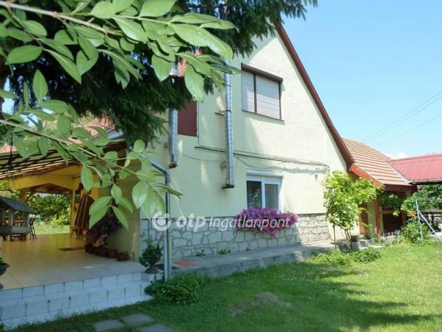 Eladó családi ház, Tokajban 60 M Ft, 3+1 szobás