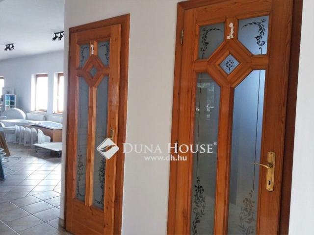 Eladó családi ház, Budapesten, XVI. kerületben 280 M Ft