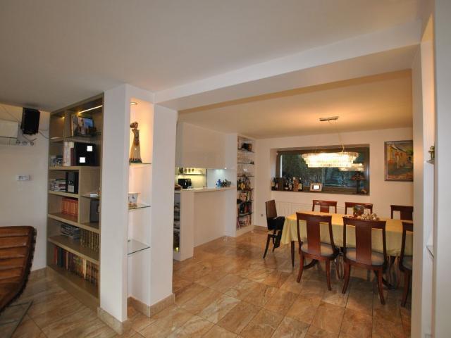 Eladó családi ház, Budapesten, II. kerületben 350 M Ft