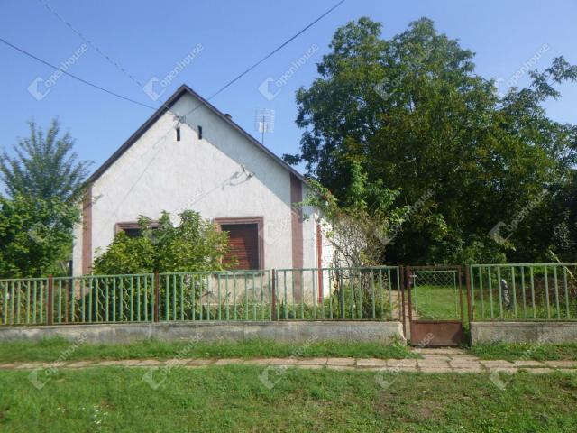 Eladó családi ház, Dalmandon 6.5 M Ft, 4 szobás