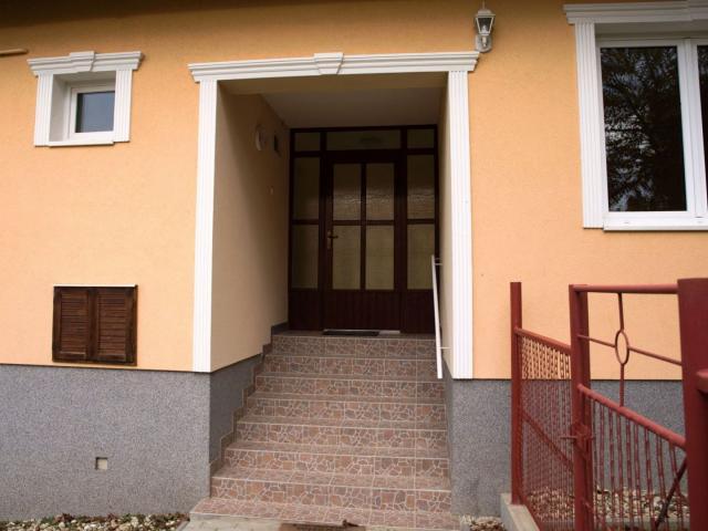 Eladó családi ház, Csörnyeföldön 15.3 M Ft, 3 szobás