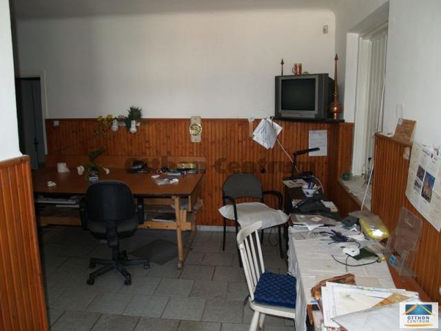 Eladó üzlethelyiség, Biatorbágyon 94 M Ft / költözzbe.hu
