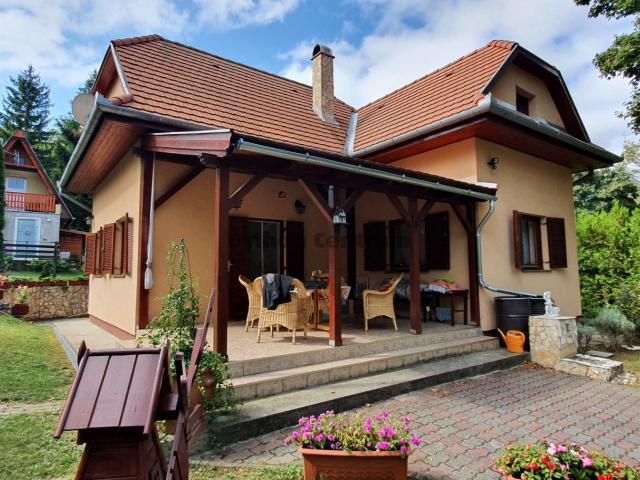 Eladó családi ház, Pilismaróton 29.9 M Ft, 3 szobás