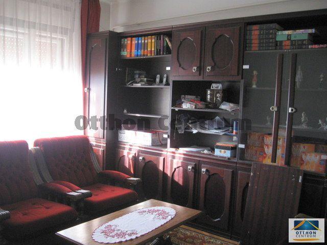 Eladó családi ház, Zalaegerszegen 60 M Ft, 10 szobás