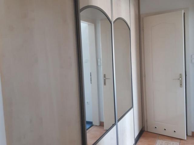 Kiadó téglalakás, albérlet, Debrecenben, Bem téren, 4 szobás