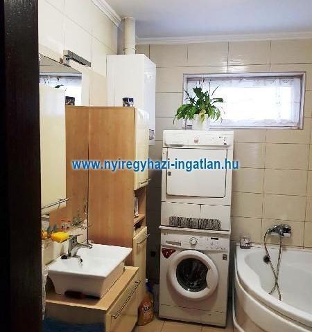 Eladó családi ház, Nyíregyházán 39.9 M Ft, 3 szobás