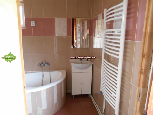 Eladó családi ház, Napkoron 7.5 M Ft, 2 szobás