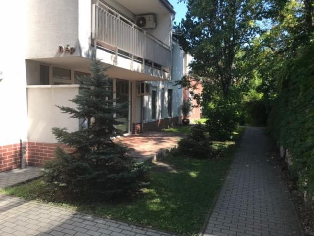 Kiadó téglalakás, albérlet, Szegeden, Hétvezér utcában