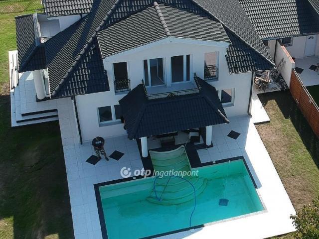 Kiadó ikerház, albérlet, Szadán 600 E Ft / hó, 6 szobás