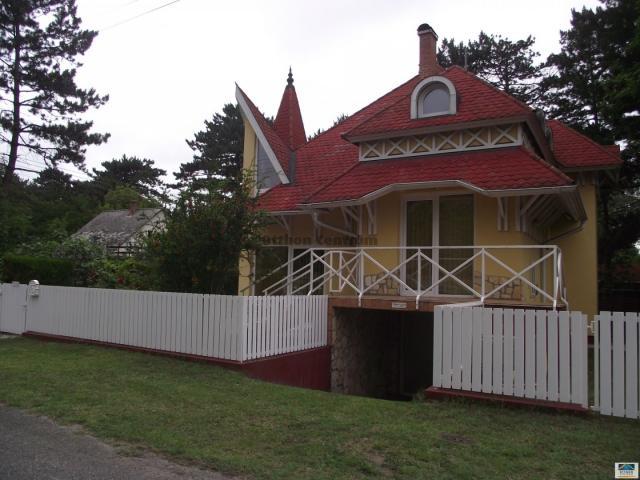 Eladó családi ház, Siófokon 79 M Ft, 5 szobás