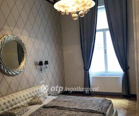 Eladó téglalakás, Budapesten, I. kerületben 93.9 M Ft, 3 szobás