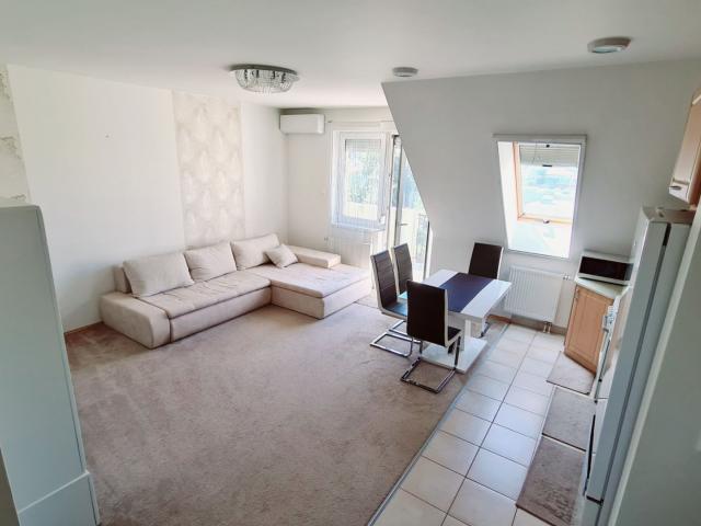 Eladó téglalakás, Dunaharasztin 35.9 M Ft, 3 szobás