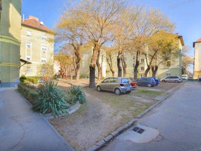 Eladó téglalakás, Budapesten, X. kerületben 33.9 M Ft, 2 szobás