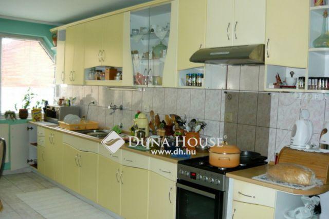 Eladó családi ház, Nyíregyházán 36 M Ft, 7 szobás