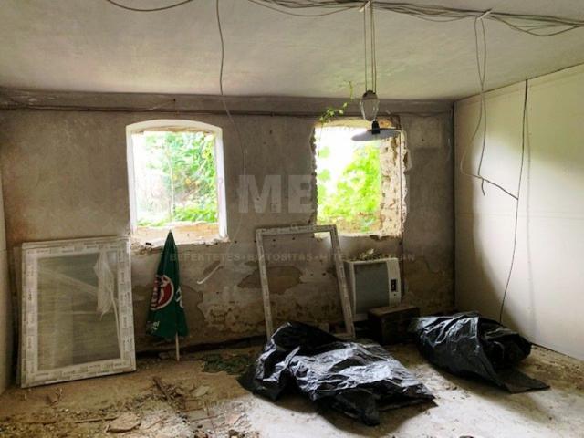 Eladó családi ház, Mosonszentmiklóson 12 M Ft, 2 szobás