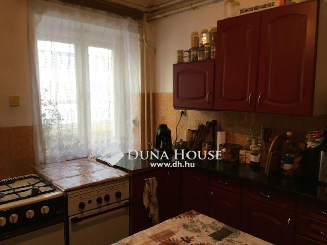 Eladó családi ház, Zámolyon 17.5 M Ft, 5 szobás