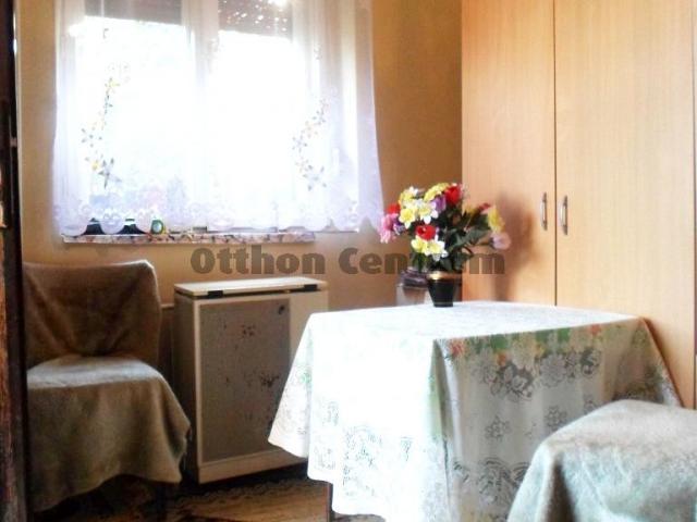 Eladó családi ház, Abasáron 15.4 M Ft, 2 szobás