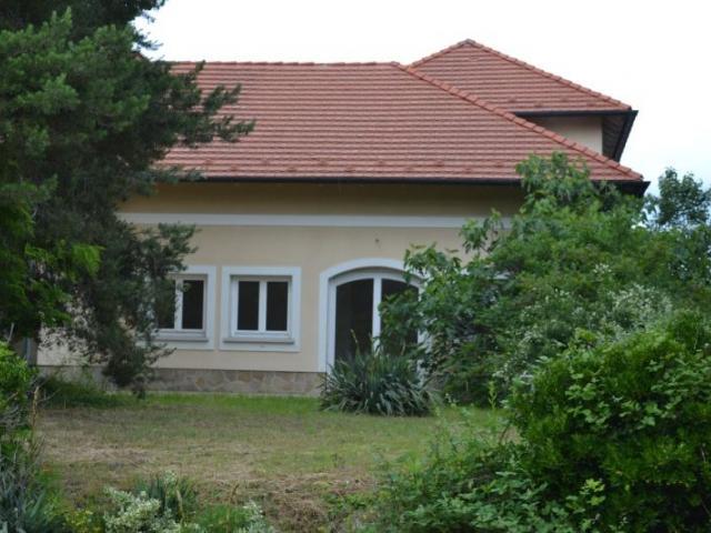 Eladó családi ház, Érden 255 M Ft, 20 szobás