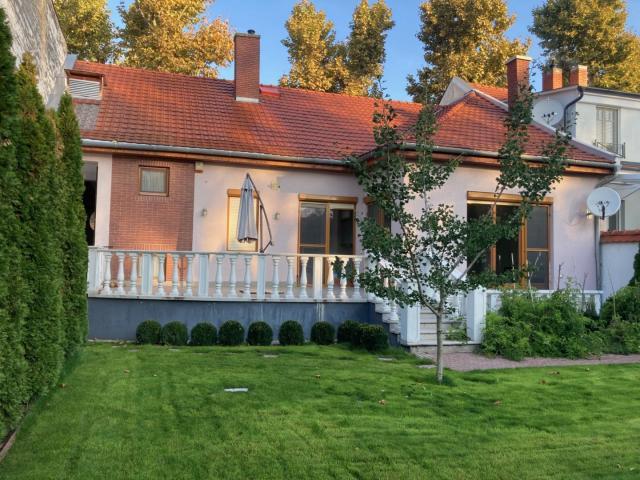 Kiadó családi ház, albérlet, Székesfehérvárott 300 E Ft / hó