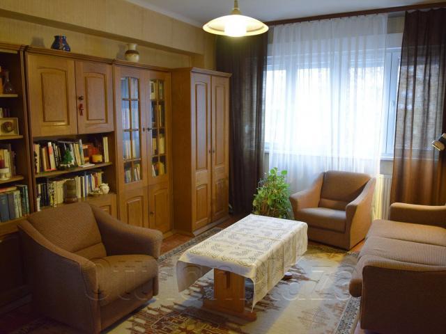 Eladó téglalakás, Budapesten, XIII. kerületben, Váci úton