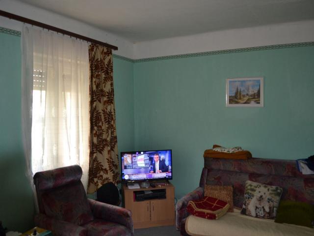 Eladó családi ház, Köcskön 6.9 M Ft, 2 szobás