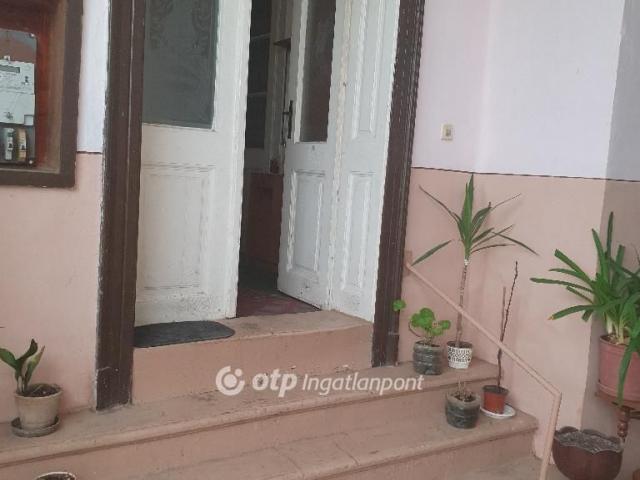 Eladó családi ház, Kunbaján 4.2 M Ft, 3 szobás