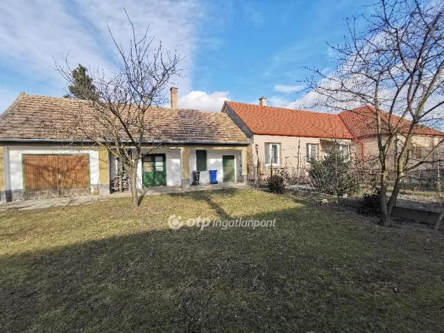 Eladó családi ház, Ásványrárón 38.9 M Ft, 3+1 szobás