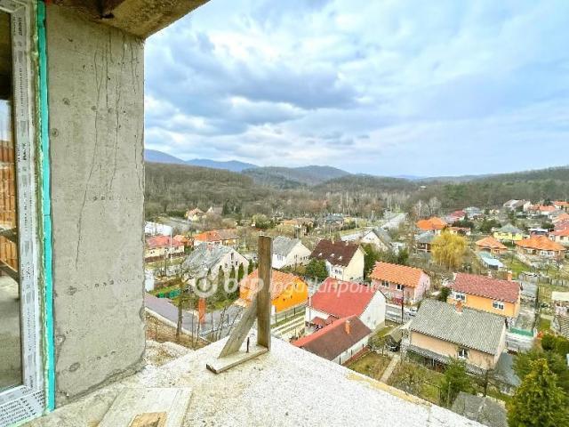 Eladó téglalakás, Miskolcon 79 M Ft, 3 szobás