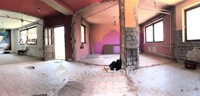 Eladó családi ház, Tamásiban 41 M Ft, 6 szobás