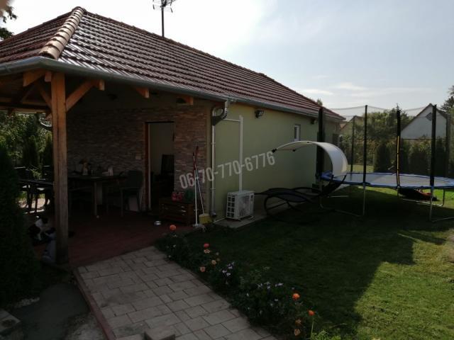 Eladó nyaraló, Balatonmáriafürdőn 49.8 M Ft, 5 szobás
