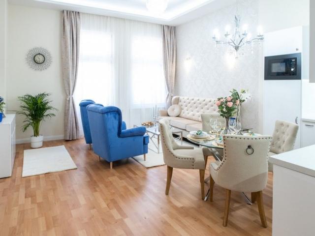 Eladó téglalakás, Budapesten, VI. kerületben 136 M Ft, 4 szobás