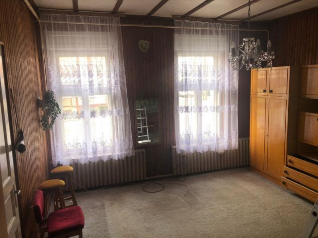Eladó családi ház, Szentpéterúron 35.9 M Ft, 4 szobás