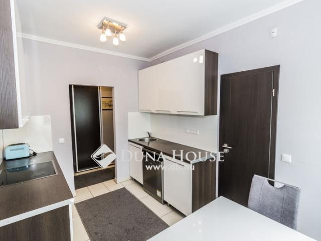 Eladó családi ház, Szombathelyen 63.5 M Ft, 4 szobás
