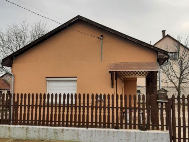 Eladó családi ház, Alsózsolcán 21.5 M Ft, 3 szobás