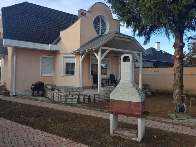 Eladó családi ház, Perkátán 38.2 M Ft, 5 szobás