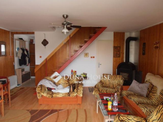 Eladó nyaraló, Balatonszárszón 79 M Ft, 5 szobás