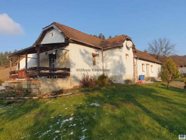 Eladó családi ház, Arlón 29 M Ft, 4 szobás