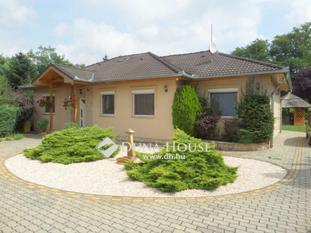 Eladó családi ház, Nyíregyházán 89 M Ft, 6 szobás