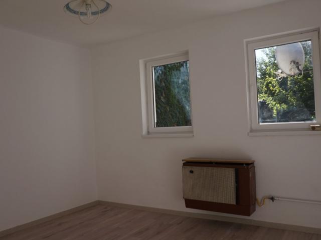 Eladó téglalakás, Debrecenben 9.9 M Ft, 1+1 szobás