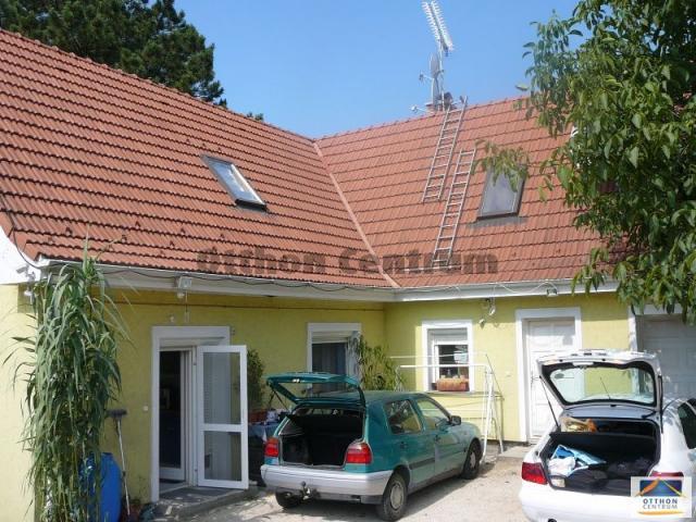 Eladó családi ház, Pátyon 79.9 M Ft, 6 szobás
