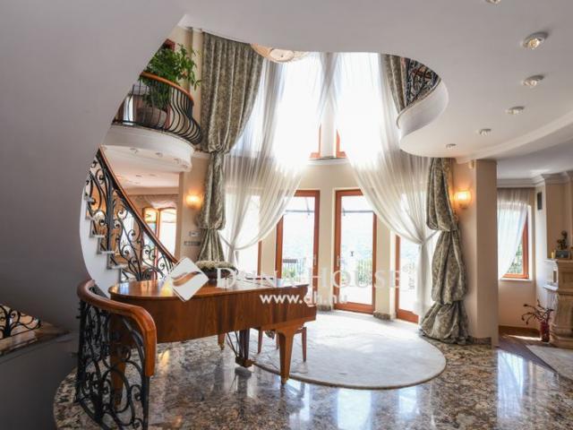 Eladó családi ház, Budapesten, II. kerületben 910 M Ft