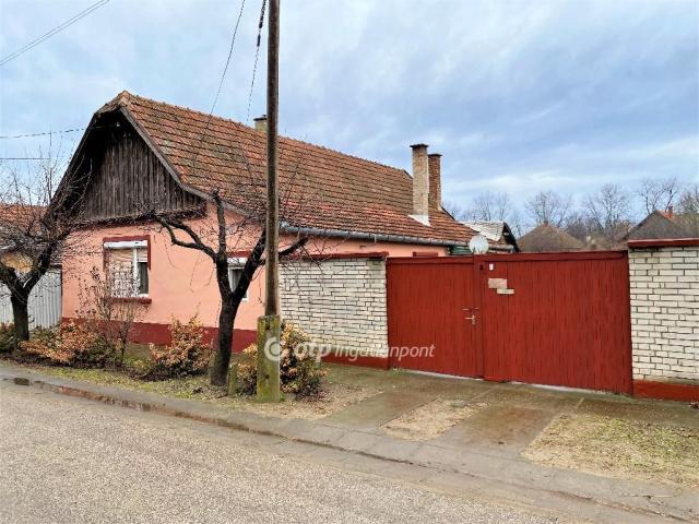 Eladó családi ház, Mélykúton 3.999 M Ft, 2 szobás